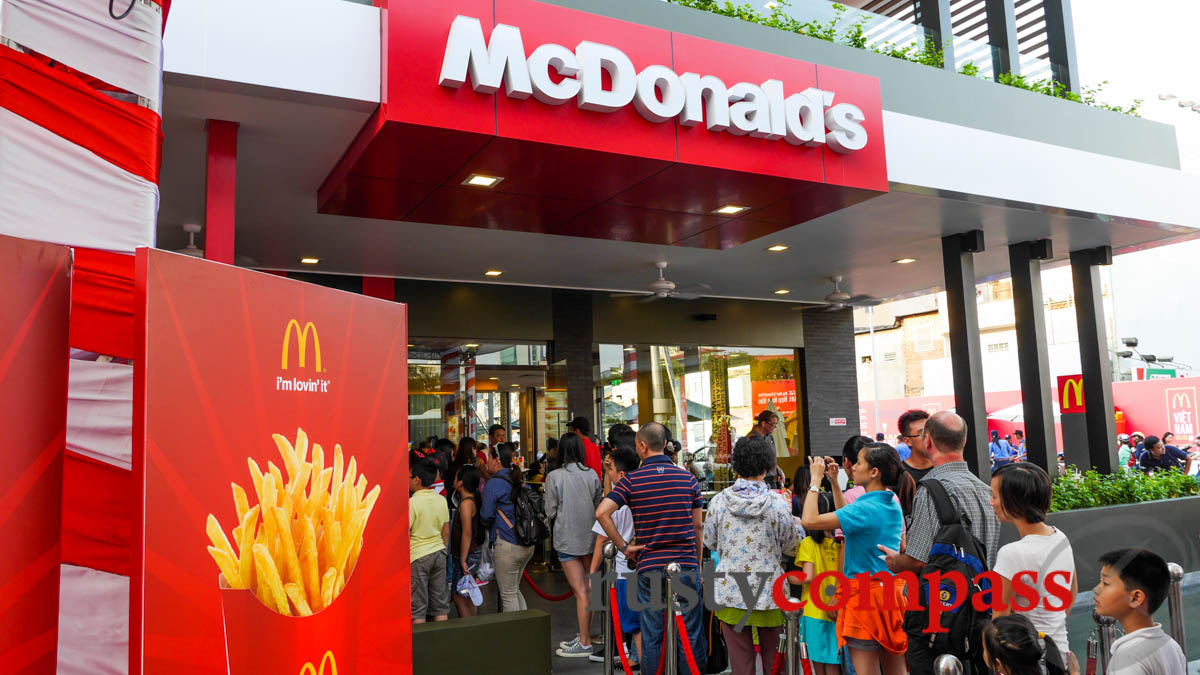 analysis mcdonald's franchise in viet nam I've seen a few fast food chains around and usually i only see the ones like lotteria and jollibee filled up but mcdonald's is almost always.