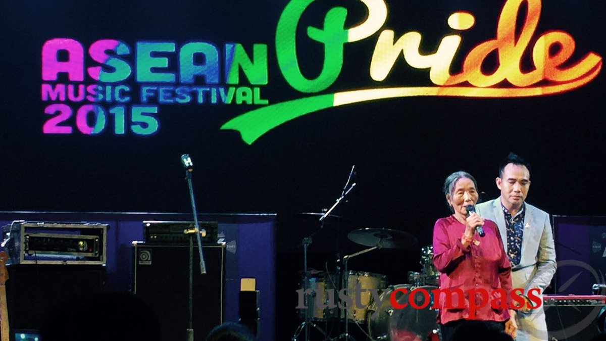 An elderly lady speaks from personal experience of the importance of acceptance. Pride Hanoi 2015