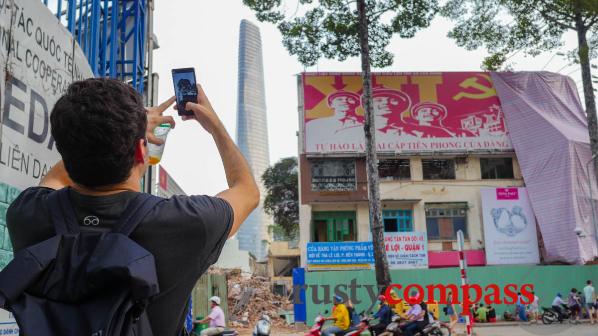 Tourist captures the end of an era - Saigon