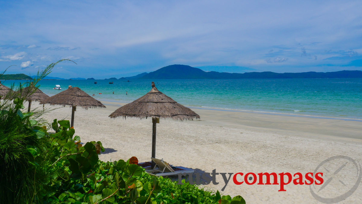 Doc Let Beach, Ninh Hoa, north of Nha Trang. How to get it right?
