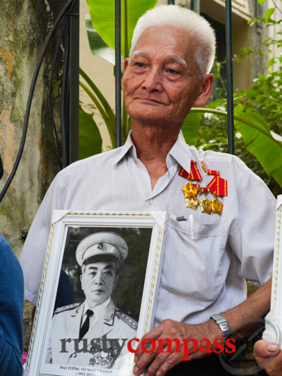 Old soldier mourns General Giap, Hanoi