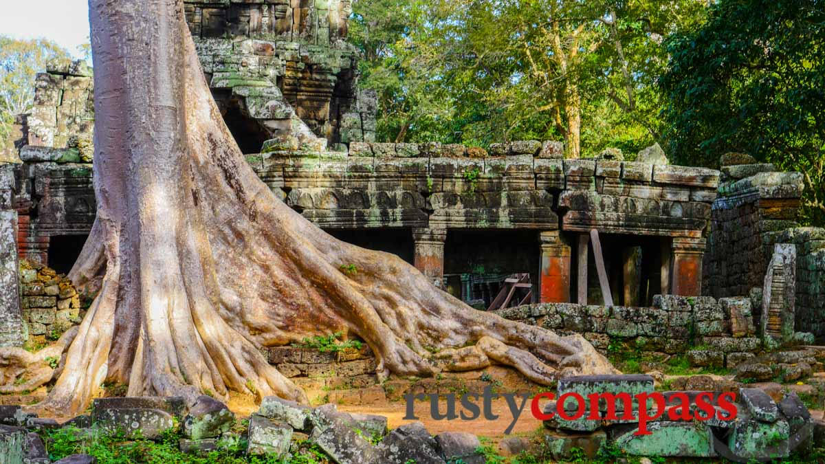 Banteay Kdei Temple - by bike