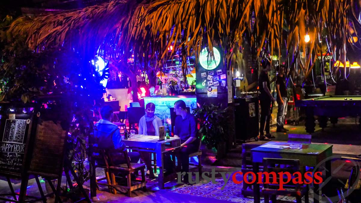 Crazy Cats Bar, My An, Danang