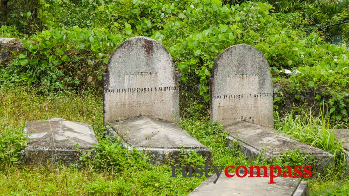 French and Spanish graves from 1858, Danang