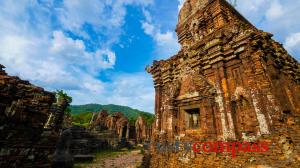 What happened to Vietnam's ancient ruins?