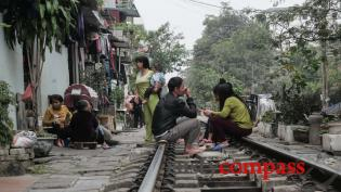 A walk along the railway tracks in Hanoi
