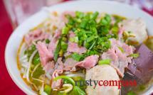 Bun bo Hue noodle soup