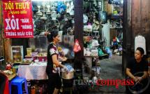 Street food touring Hanoi - self guided