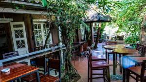 Red River Tea Room, West Lake, Hanoi