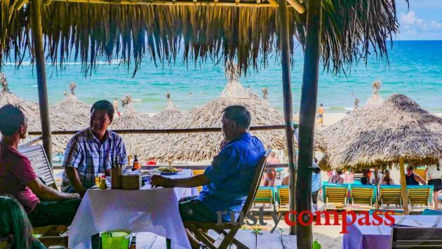 Quan Tuyet local seafood, An Bang, Hoi An