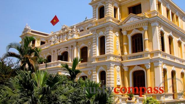 An Dinh Palace, Hue