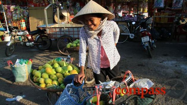 Mangoes at Tra Vinh Market.
