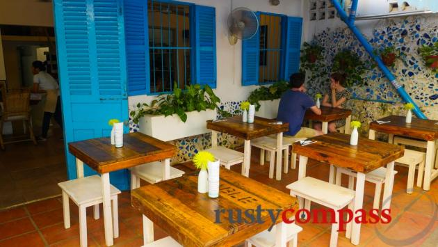 Artillery Cafe, Phnom Penh