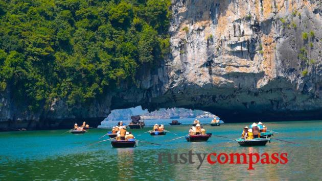 Floating village excursion. Au Co, Halong Bay