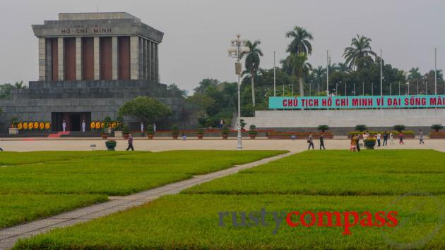 Ba Dinh Square - Uncle Ho' Mausoleum