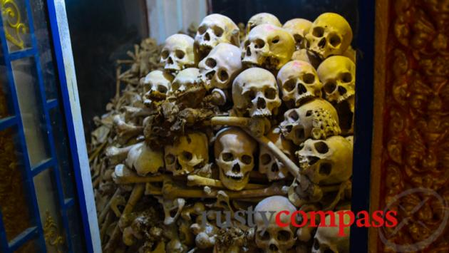 Khmer Rouge victims, Wat Sampeau