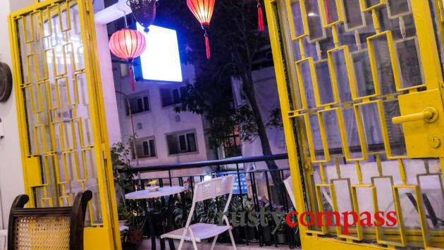 Bunn Oi - Hanoi noodles in Saigon