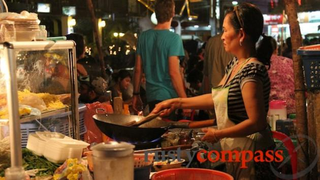 Siem Reap night market dining