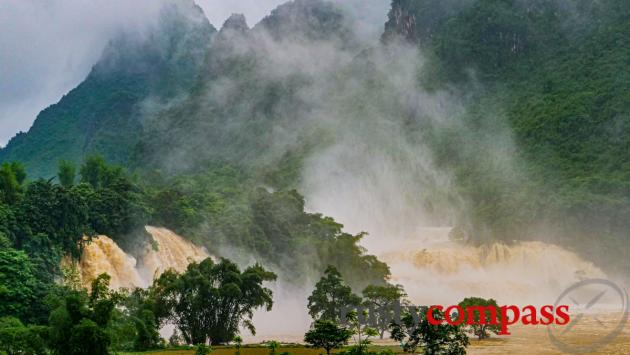 Ban Gioc fury after the rain