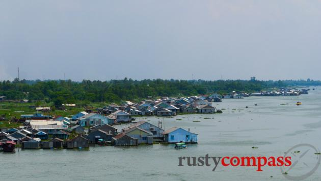 Floating houses, Chau Doc