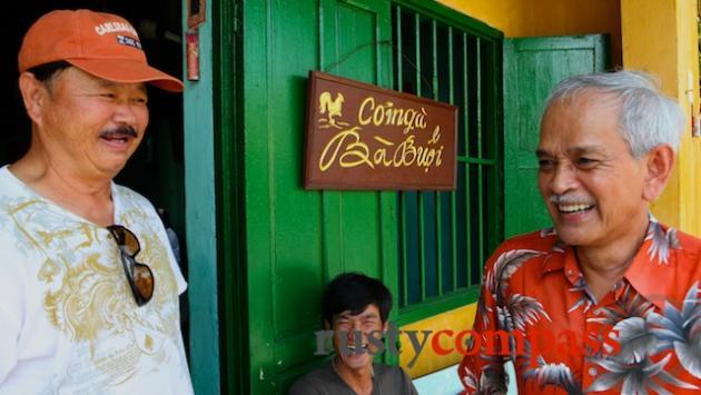Happy customers - Com ga Ba Buoi