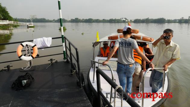 A boat trip along the Saigon River is a great way to visit to Cu Chi.