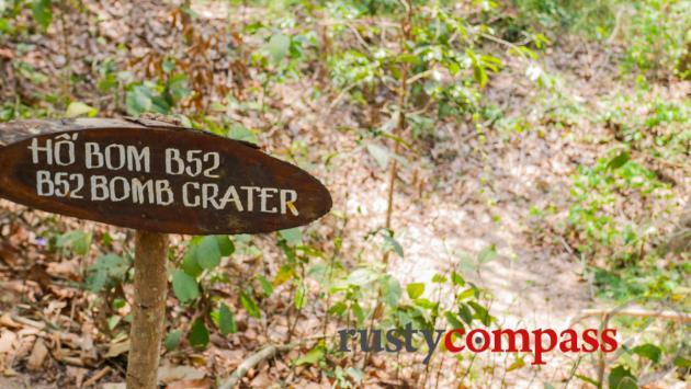 Bomb crater, Cu Chi