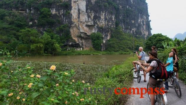 The 12km ride between Hoa Lu and Tam Coc is a highlight.