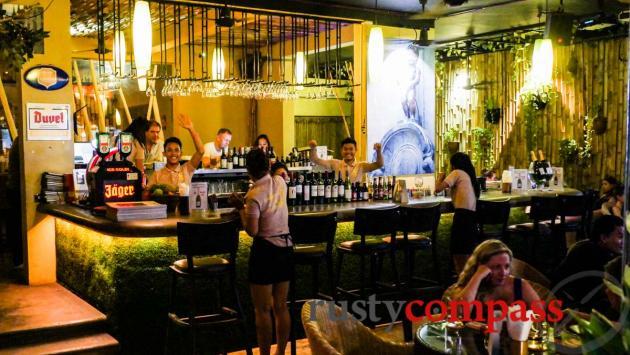 Duplex Bar, Phnom Penh