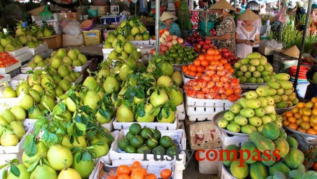 Some of the delicious fruits in Ha Tien market.