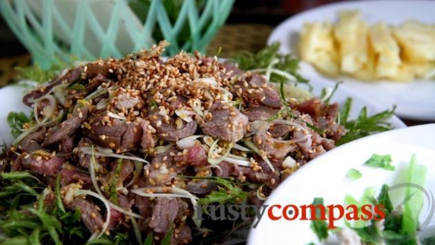De Nui - Mountain Goat - Ninh Binh