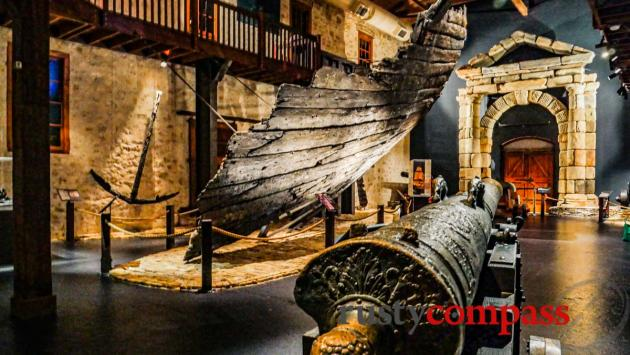 The 1629 wreck of the Batavia - Fremantle Shipwreck Museum