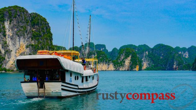 Halong Bay day trip - Indochina Junk