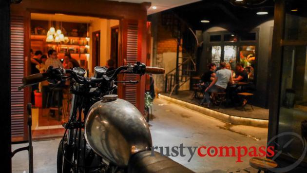 Hangar 44 bar, Phnom Penh