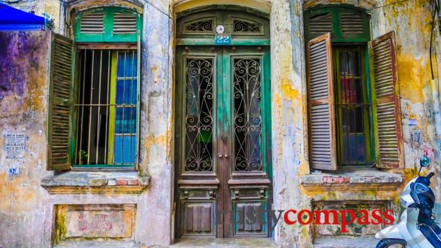 Faded colonial mansion, Hanoi