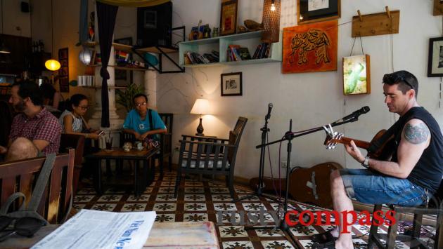 Live tunes at Hanoi Social Club