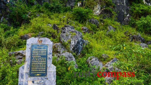 War memorial, Phong Nha