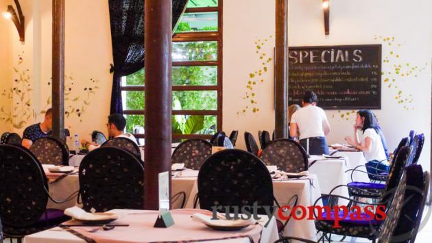 Hoa Tuc Restaurant, Saigon