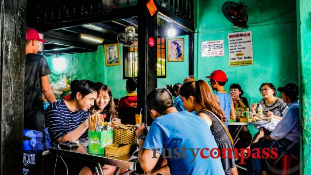 Packed Chicken Rice joint, Hoi An