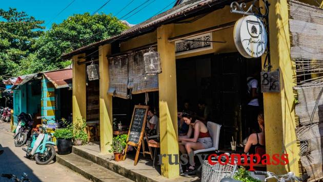 Cool cafes are arriving in Hoi An -Rosie's Cafe is plastic free