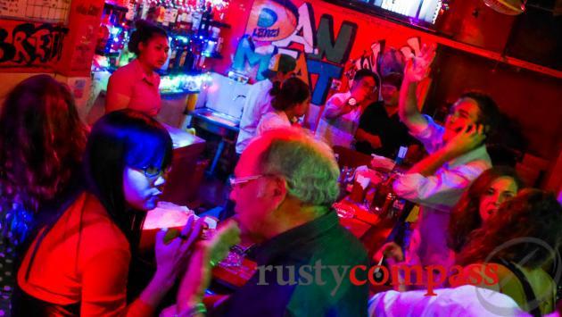 Howie Bar, Phnom Penh