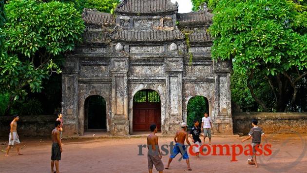 Football at Bao Quoc Pagoda, Hue