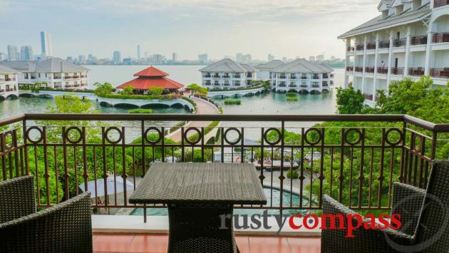 Lotus Suite Room, Intercontinental Hanoi Westlake Hotel
