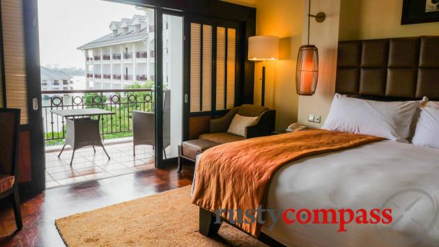 Superior Room, Intercontinental Hanoi Westlake Hotel