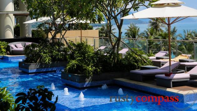 Intercontinental Hotel, Nha Trang - poolside