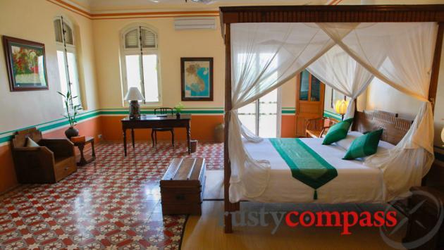 Suite room - La Villa, Battambang