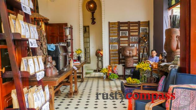 Maison De Tet Decor, West Lake, Hanoi - Review By Rusty Compass