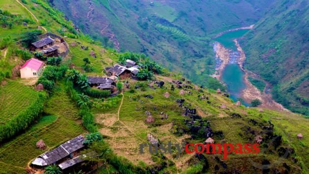 On the road to Meo Vac, Ha Giang