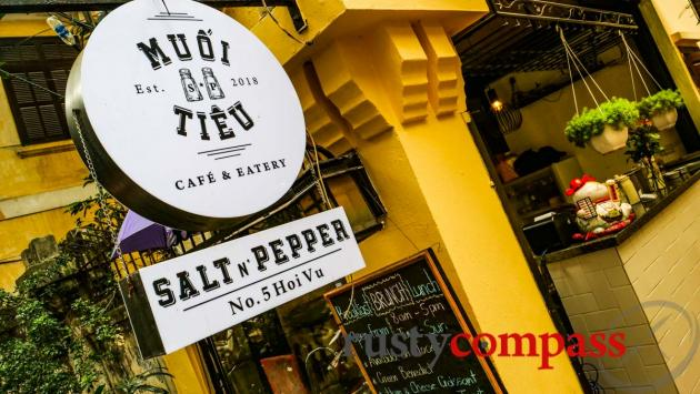 Muoi Tieu Cafe Hanoi (Salt and Pepper Cafe)