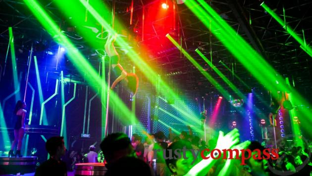 New Phuong Dong Nightclub, Danang